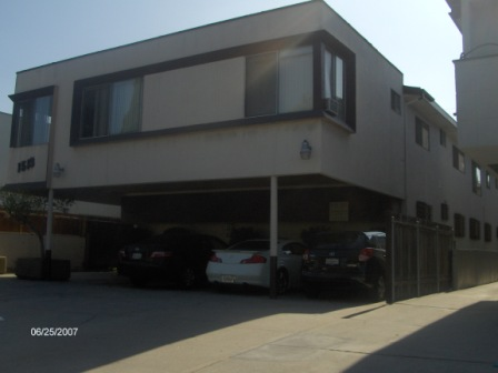 7 Unit Apartment Building blocks from Pico Blvd in Beverly Hills Adjacent