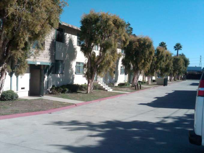 11 Unit Apartment Building in Lynwood